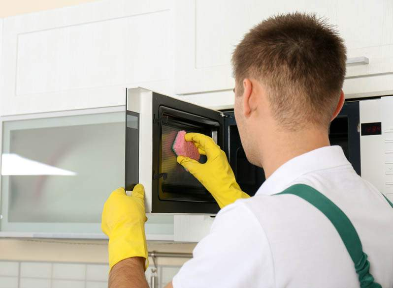 Kitchen Appliance Cleaning Service